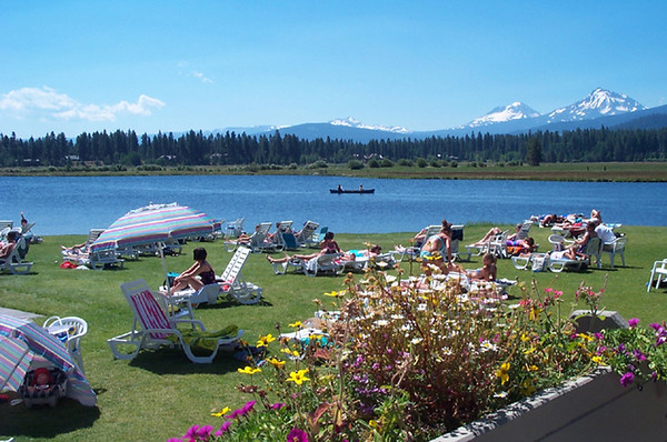 Kate Thomas Keown BBR Lakeside express sunbathers ktk