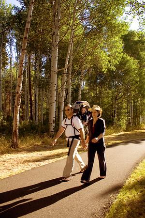 rec_black-butte-ranch_couple-walking-on-bike-path_KateThomasKeown_MG_1046