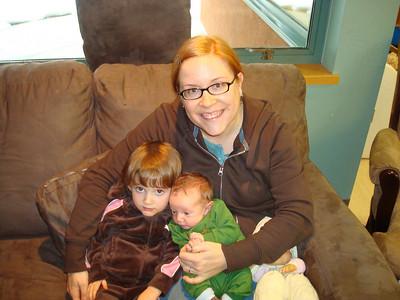 <b>Jan.'09: Baby Oliver & big sister Robyn</b>