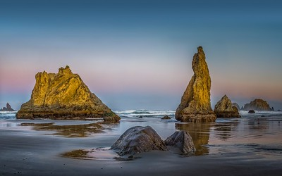 Peter Reali 3 rocks Bandon Beach Pano6a AA19 L