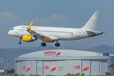 Vueling Airbus A320-214 EC-MAH 9-29-18