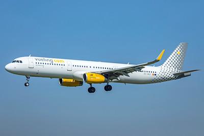 Vueling Airbus A321-231 EC-MGY 9-29-18