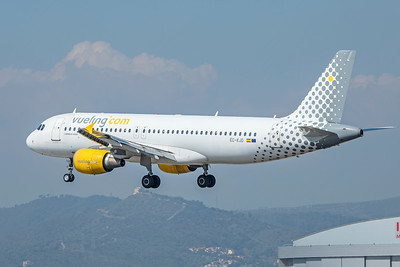Vueling Airbus A320-216 EC-KJD 9-29-18