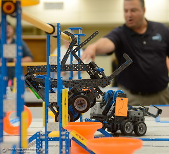 """Steven Rummell, Regional Support Manager for Robotics Education & Competition Foundation announces a Bot that has """"defied gravity"""" by lifting itself off of the ground during the robot competition between BCOE representatives in Oroville, Calif. Friday Aug. 3, 2018.  (Bill Husa -- Enterprise-Record)"""