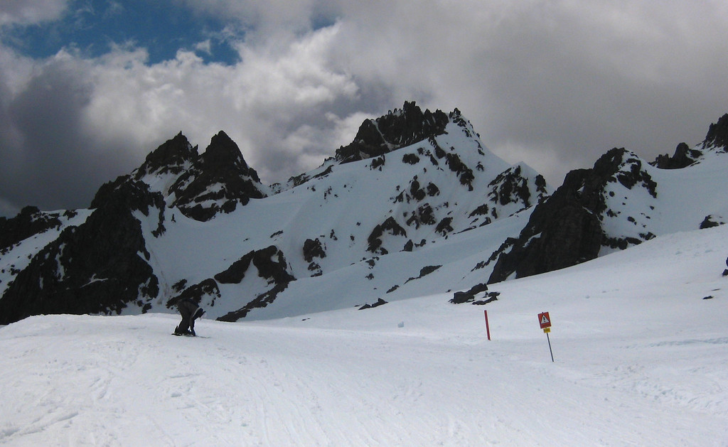 Back on the commercial ski field at the Te Heu Heu valley T-bar.  Solitude gone but still nice views.