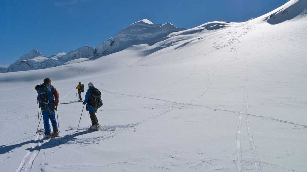 Our first run was down the slopes between Mt Aylmer and the Hochstetter Dome.
