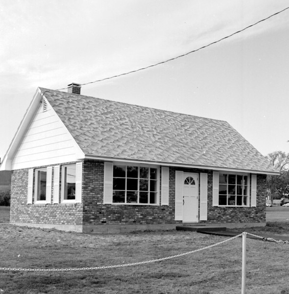 Tourist information center, Main Street, Bangor. BANGOR DAILY NEWS FILE PHOTO 10/7/66