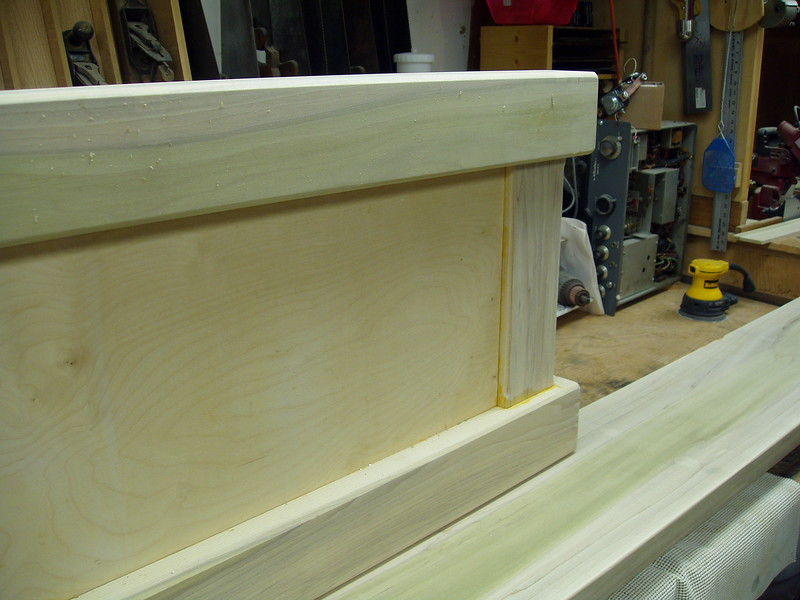 """The leg panels have 4-1/2 inch square top and bottom rails, the end pieces are 2 X 6 inches and the panel is 1/2"""" thick plywood."""