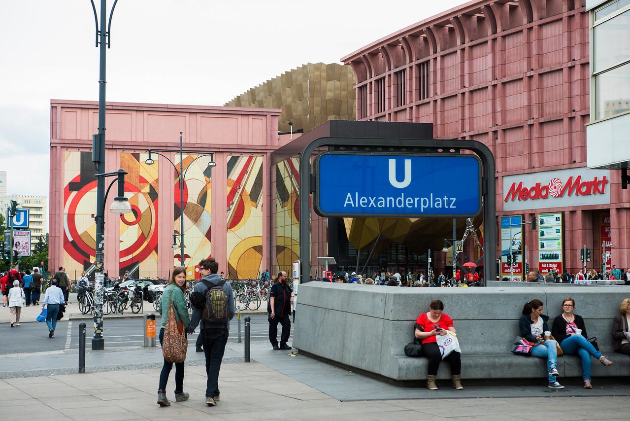 SHOPPING AREA, BERLIN