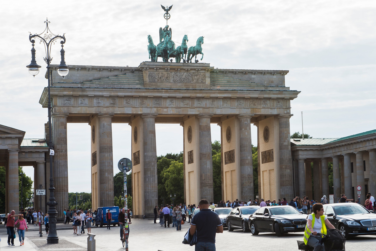 BRANDENBURG GATE. BUILT FROM 1788 TO 1791 IN THE NEOCLASSICAL STYLE. COMMISSIONED BY KING FREDERICK WILLIAM II OF PRUSSIA. RESTORED FROM 2000 TO 2002.
