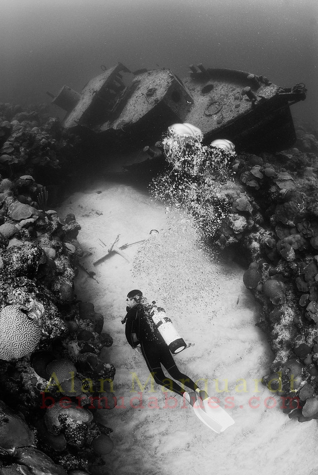 Diver and the tug boat King, Bermuda
