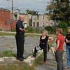 Steward Pickett talking to Landscape Architecture meeting members in the Harlem Park neighborhood.