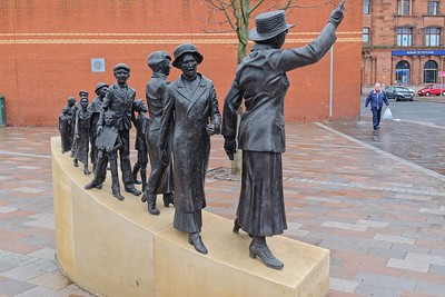 Commemorative Mary Barbour statue at Govan Cross (Artist: Sharon Thomas) --> ...