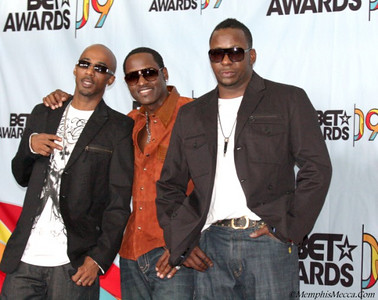 New Edition Ralph Tresvant (L) Johnny Gill (M) Bobby Brown (R)
