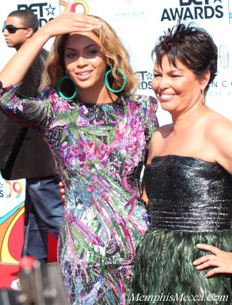 Beyonce (L) & Debra Lee (R) Chairman of BET