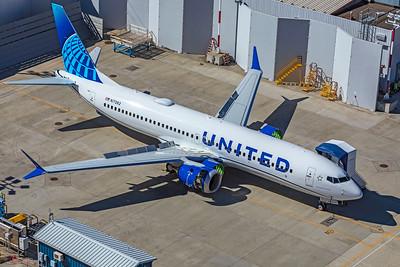 United Airlines Boeing 737-8 MAX N17262 9-24-21