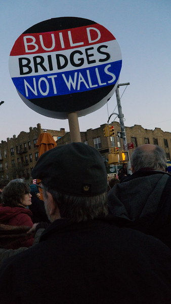 In the Kensington neighborhood of Brooklyn, a diverse crowd of several hundred rallied against hate. They expressed their solidarity with the South Asian community who are residents of that neighborhood with a large percentasge of Muslims.