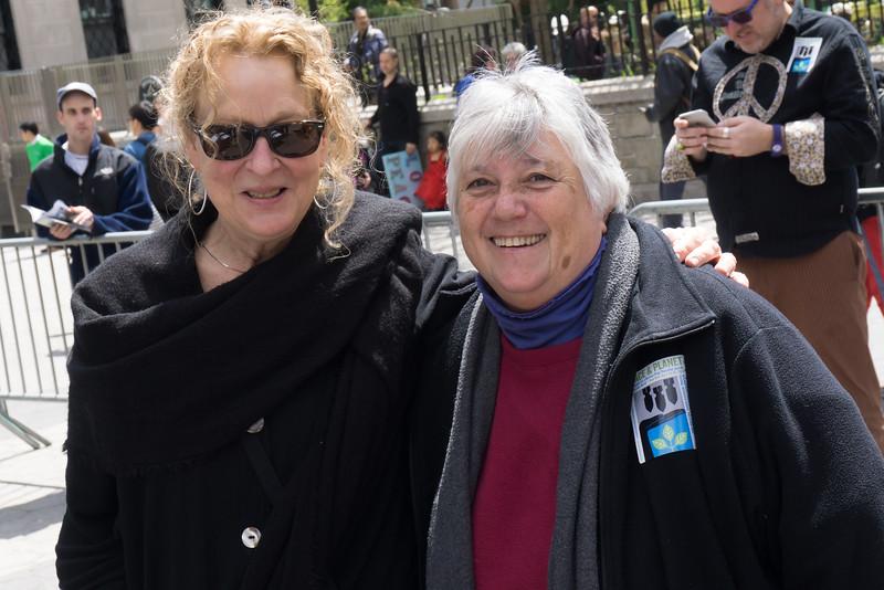 Pat Fry and Leslie Kagan, veteran peace activists. And beautiful people!