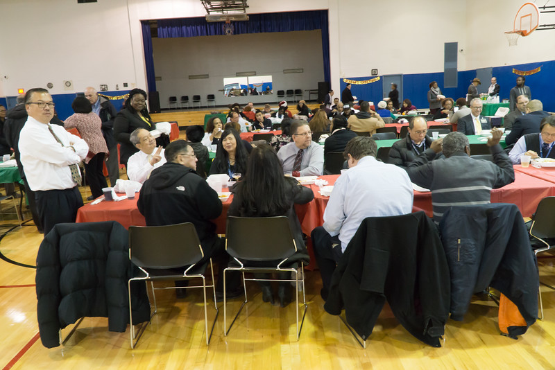 A big and diverse holiday party, attended by UUP membes.