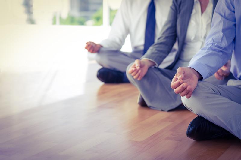 workplace-wellness-yoga-meditate