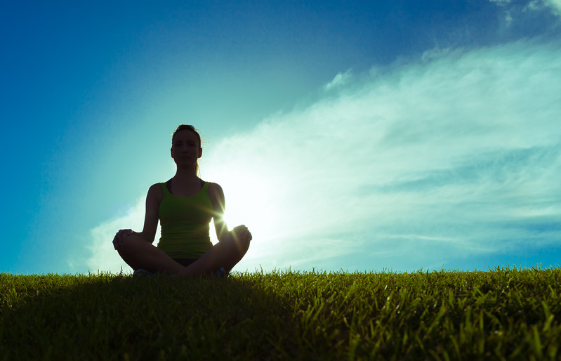 yoga-meditate-sunrise-zen