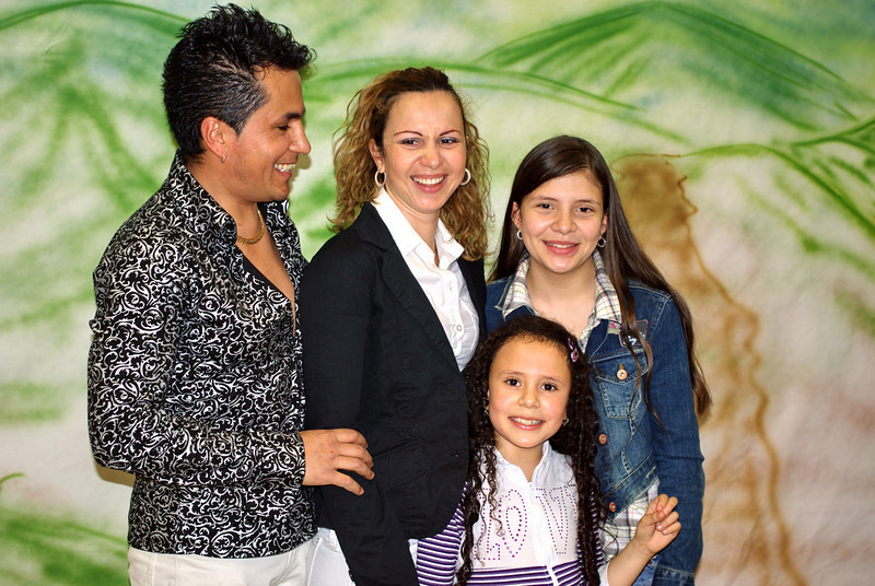 The Marín family: William, Sandra, Ashly, and Lesly