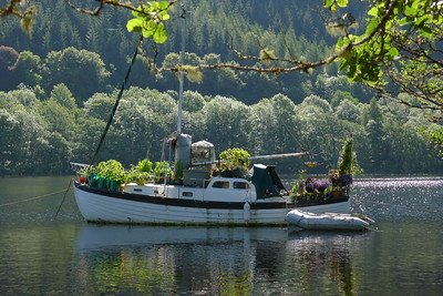 boat on caledonian canal