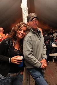 Beer Tent Sat 2009_0905-019
