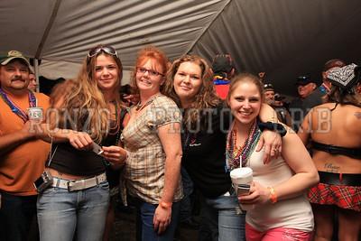 Beer Tent Sat 2009_0905-012