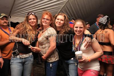 Beer Tent Sat 2009_0905-011