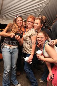 Beer Tent Sat 2009_0905-009