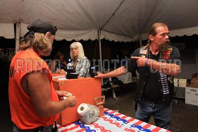 Beer Tent Sun 2009_0906 (18)