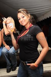 Beer Tent Sun 2009_0906 (22)
