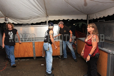 Beer Tent Sun 2009_0906 (16)
