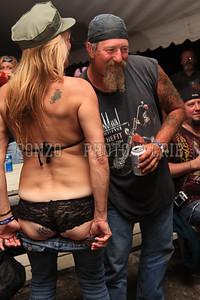 Beer Tent Sun 2009_0906 (12)
