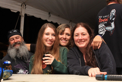 Beer Tent Fri 2009_0904-022