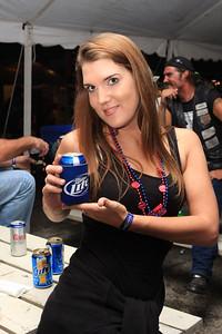 Beer Tent Fri 2009_0904-023