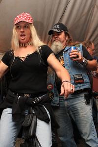 Beer Tent Fri 2009_0904-015