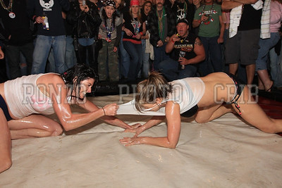 Oil Wrestling 2009_0418-029
