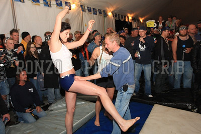 Oil Wrestling 2009_0418-015