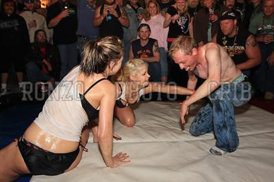Oil Wrestling 2009_0418-046