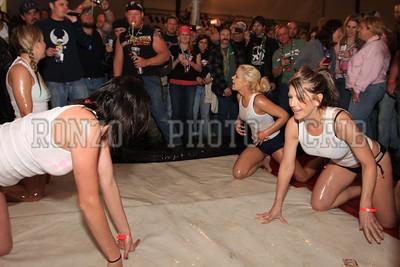 Oil Wrestling 2009_0418-019
