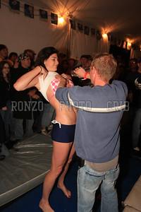 Oil Wrestling 2009_0418-011