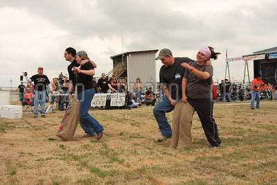 One Legged Race 2009_0418-006