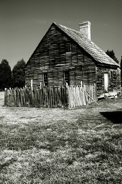 LAUREL BRANCH FARM HOUSE B&W