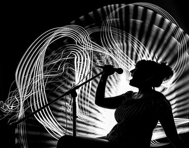 2018_Silhouette-LightPaint_SINGER-FINAL
