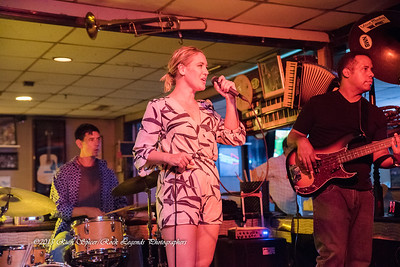 08-13-2015 - Betty Fox Band - Blues Tavern #15