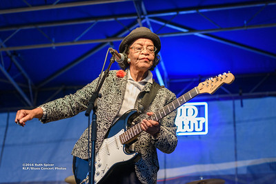 10-08-2016 - Beverly Guitar Watkins - King Biscuit Blues Festival #14