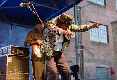 10-08-2016 - Beverly Guitar Watkins - King Biscuit Blues Festival #12