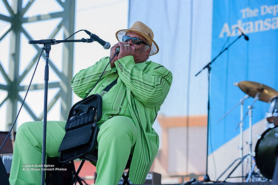 10-07-2016 - Blind Mississippi Morris - King Biscuit Blues Festival #24